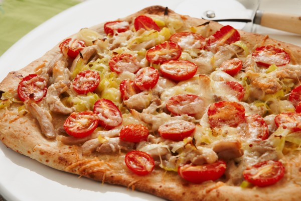 CHICKEN LEEK AND TOMATO PIZZA