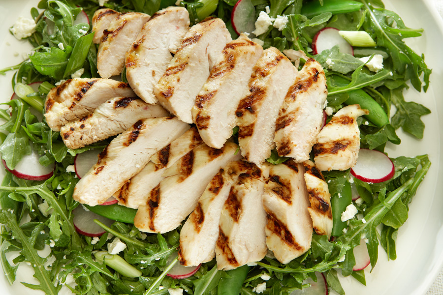 ARUGULA SALAD WITH CHICKEN AND FETA