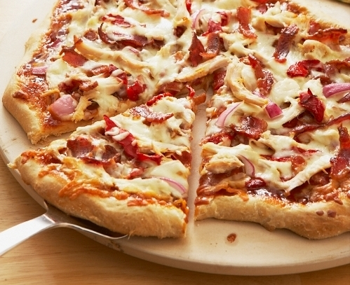 CHICKEN AND BACON PIZZA