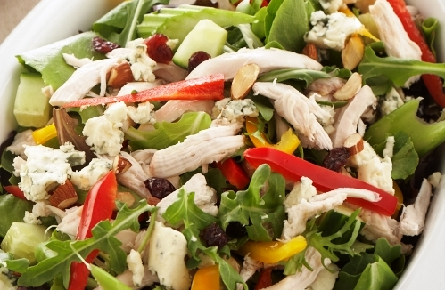 SIMPLE SALAD WITH CHICKEN AND A BERRY VINAIGRETTE
