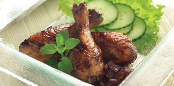 GRILLED DRUMSTICKS WITH ONION MARMALADE