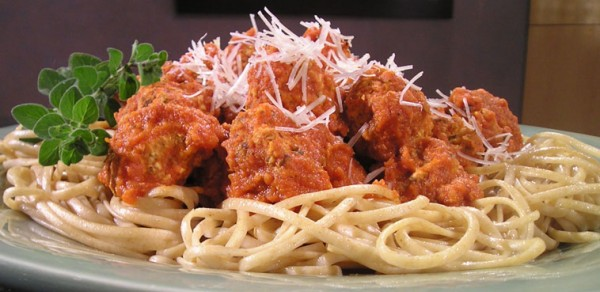 PASTA AND CHICKEN MEATBALLS