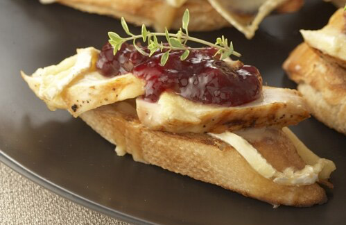 CHICKEN AND BRIE TOASTS