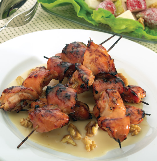 CHICKEN SKEWERS WITH MAPLE CREAM