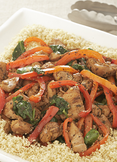 CHICKEN STIR-FRY with PEPPERS & SPINACH