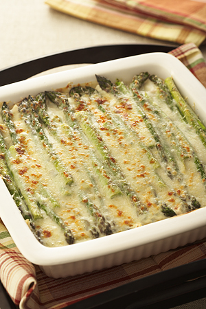 CHICKEN AND ASPARAGUS GRATIN