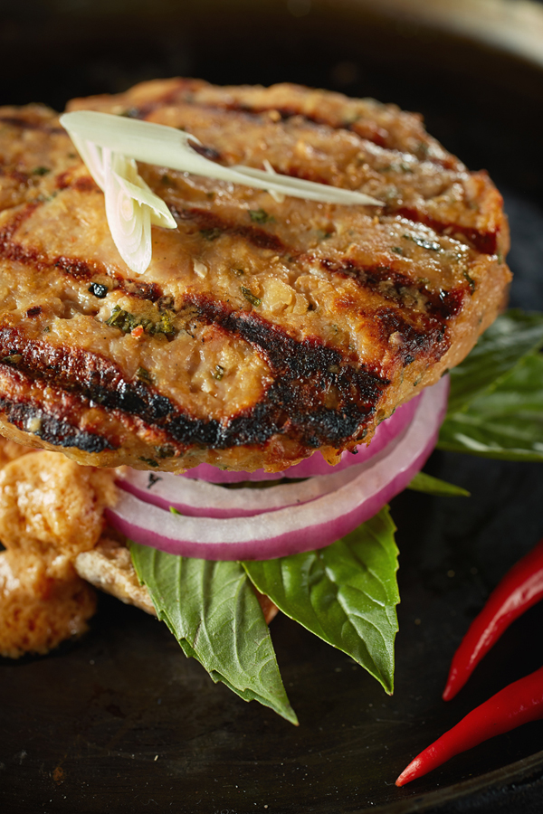 THAI BURGERS WITH SPICY SAUCE