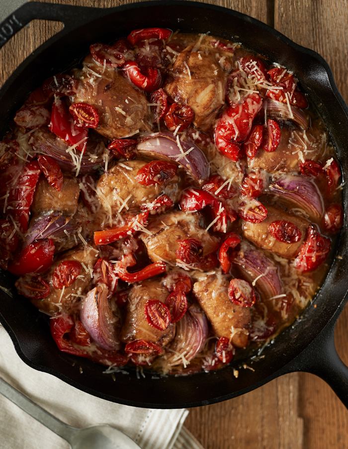 ONE PAN CHICKEN & TOMATOES