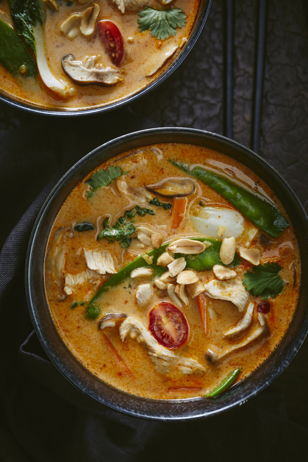THAI CHICKEN COCONUT CURRY SOUP
