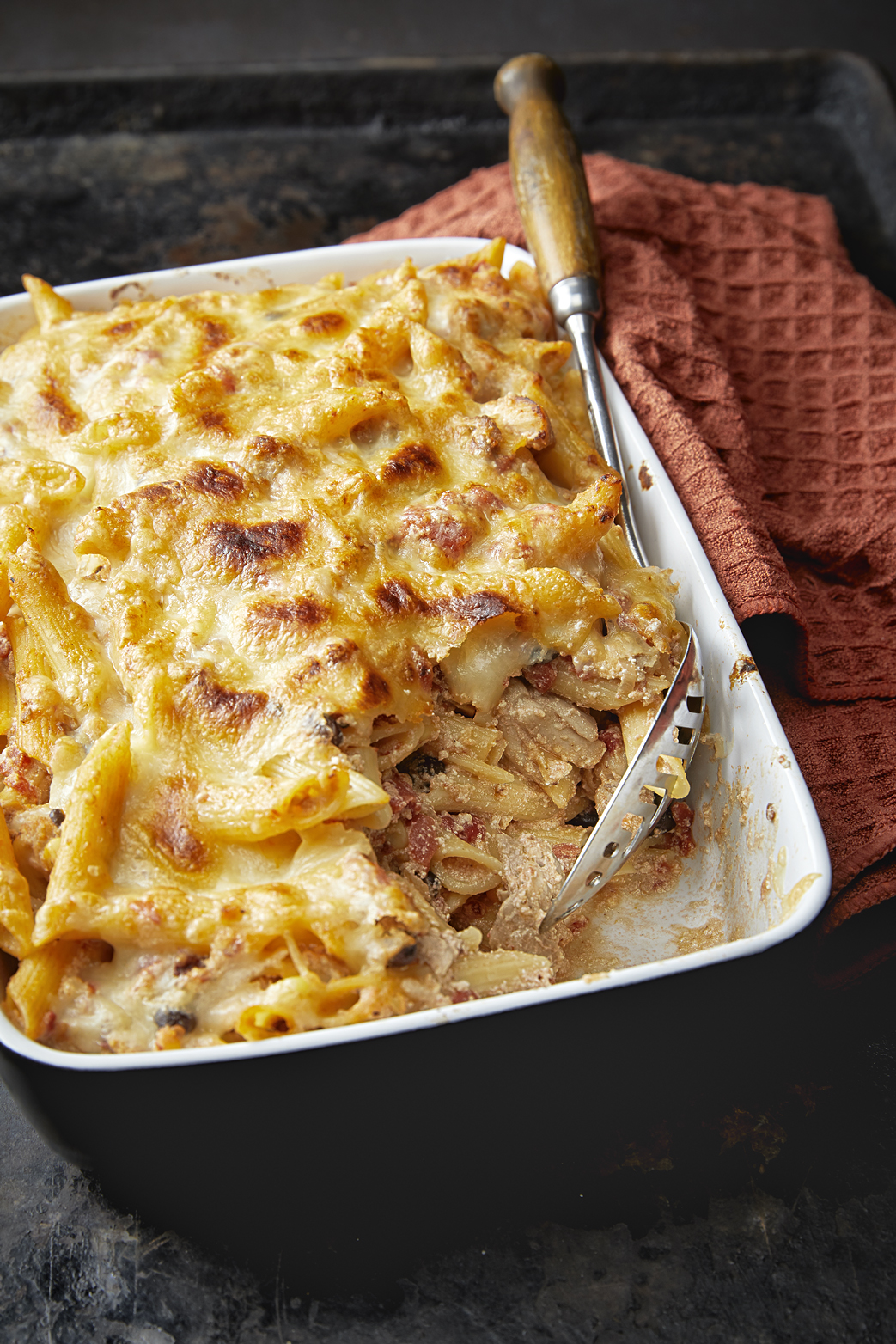 MEXICAN CHICKEN & PASTA BAKE