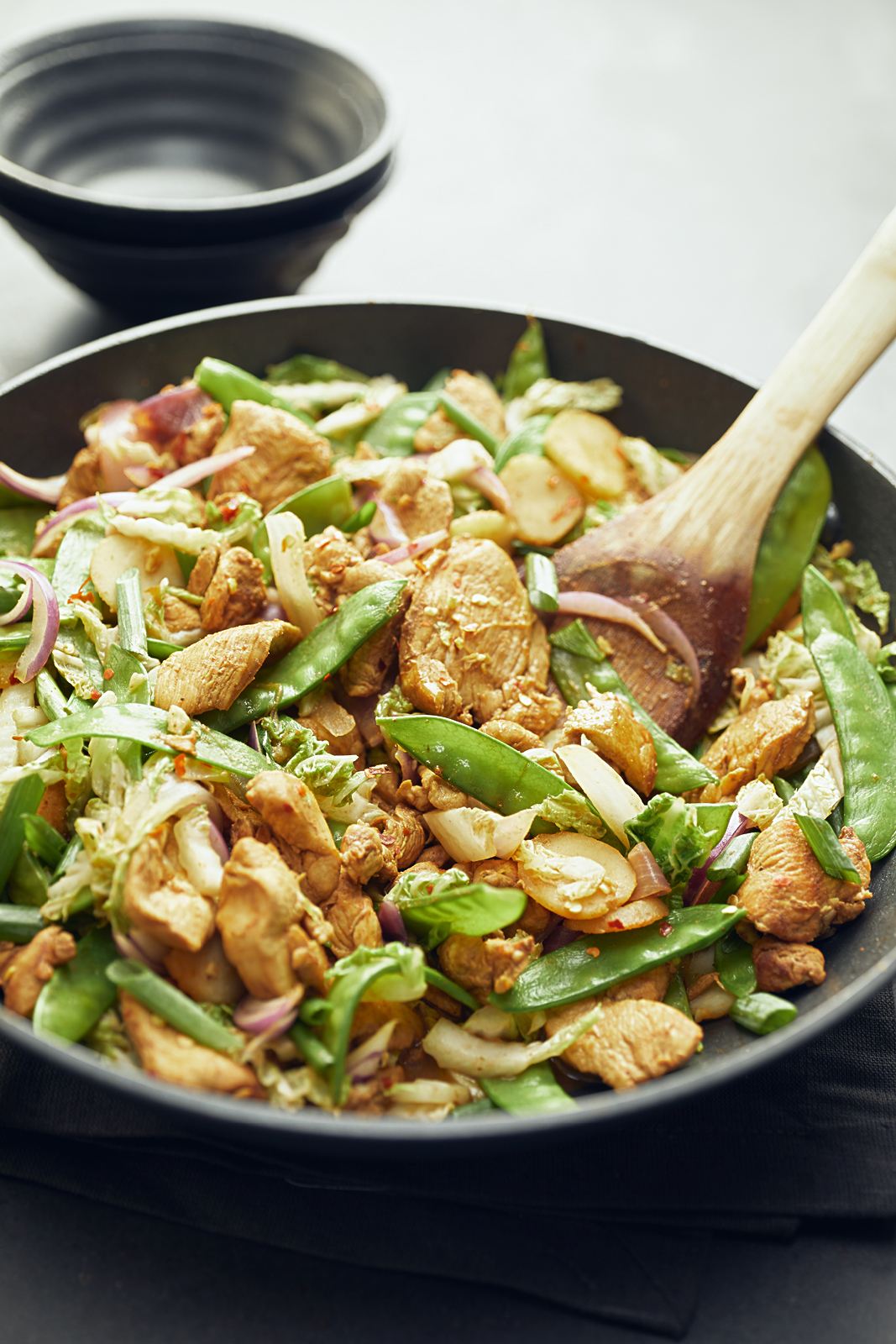 CHICKEN STIR FRY WITH WATER CHESTNUTS