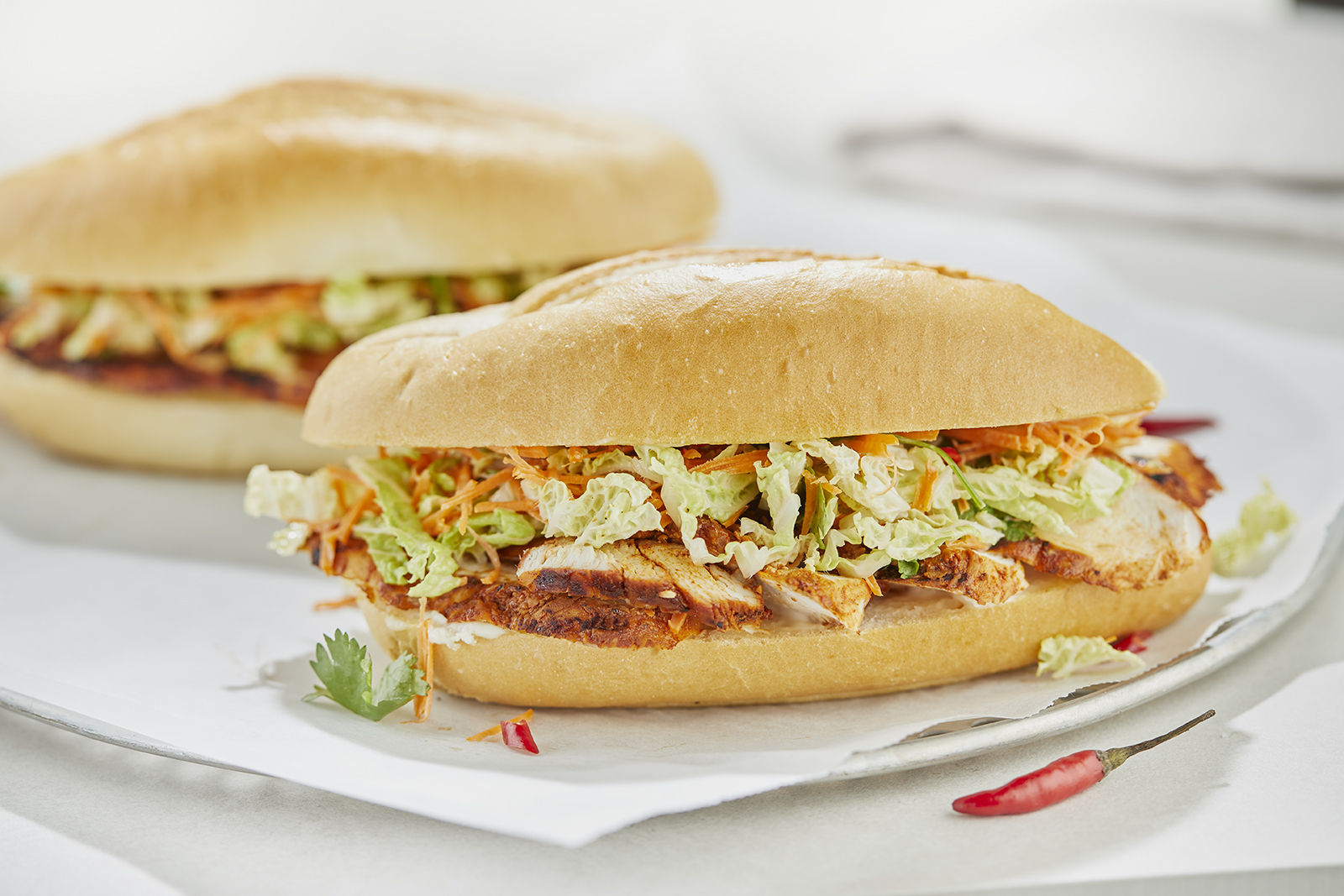 CHILI CHICKEN BURGERS WITH SLAW